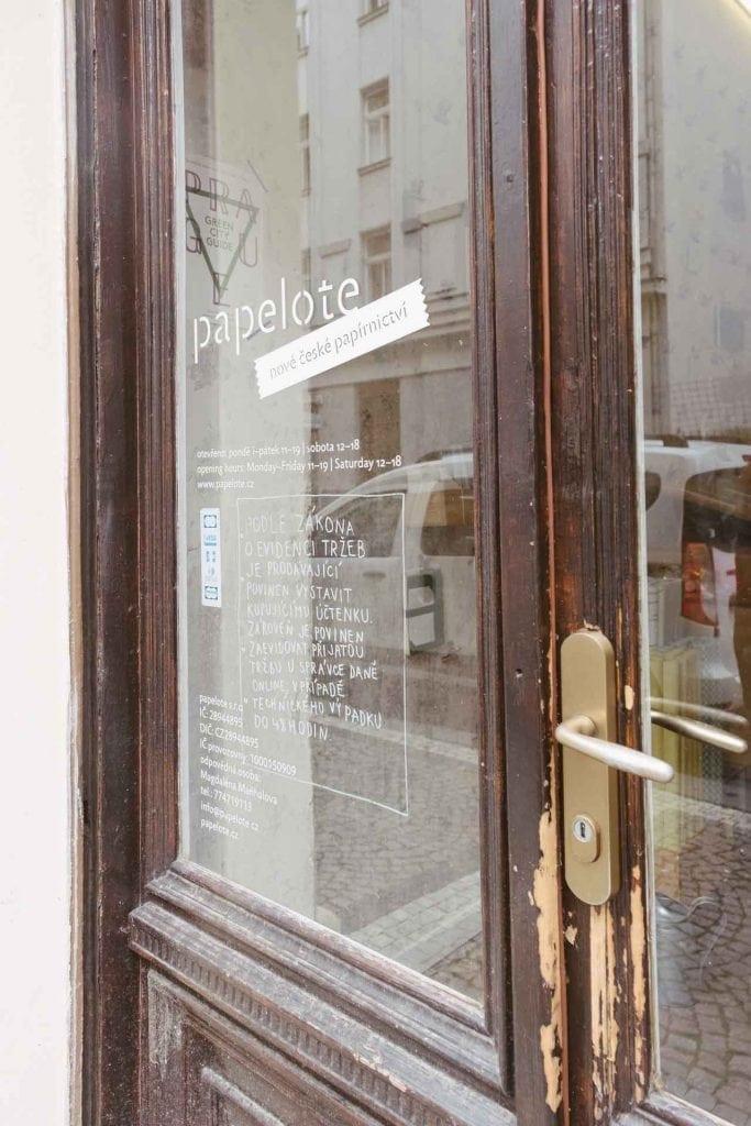 דלת חנות papelote פראג ענבל כבירי