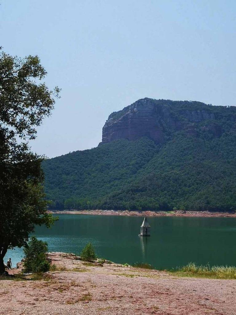 כנסיה טבועה אגם סאו ענבל כבירי