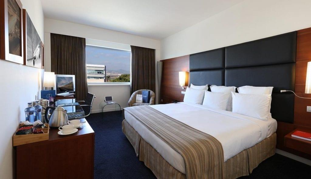 bah hotel מלון ליד שדה התעופה ברצלונה