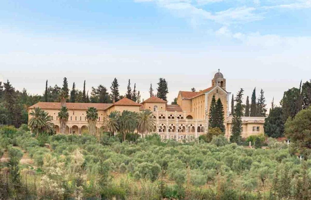 כנסיית לטרון אחרי עריכה בלייטרום
