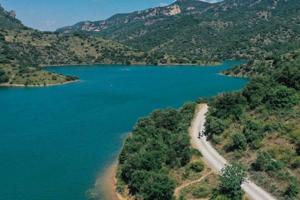 אגם Siurana והעיירה שמעליו