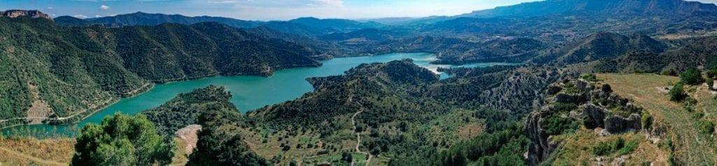 אגם העיירה siurana טרגונה ספרד ענבל כבירי