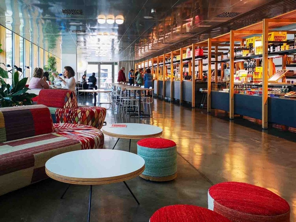 בתי קפה לנוודים דיגיטליים בברצלונה